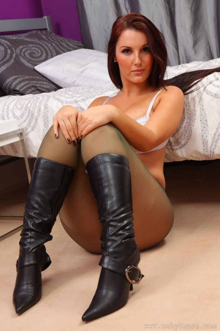 girls in pantyhose and boots