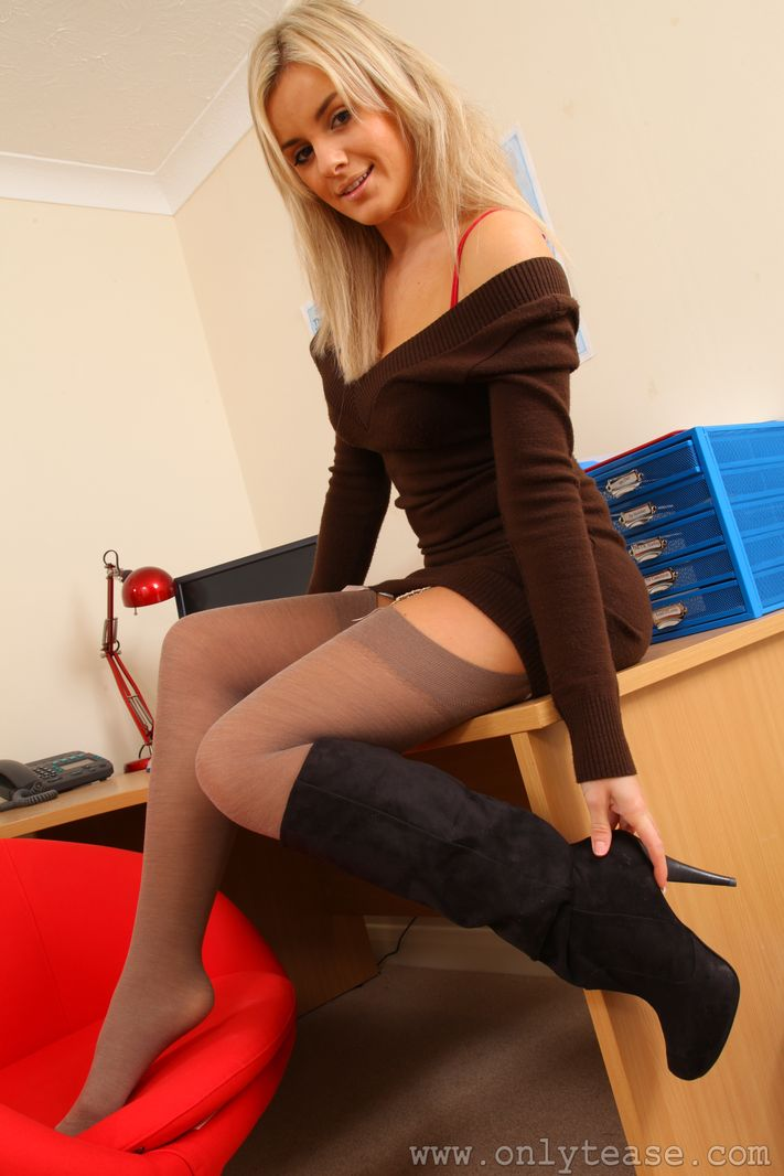 Perfect Stockings - Free Stockings Pictures and Movies