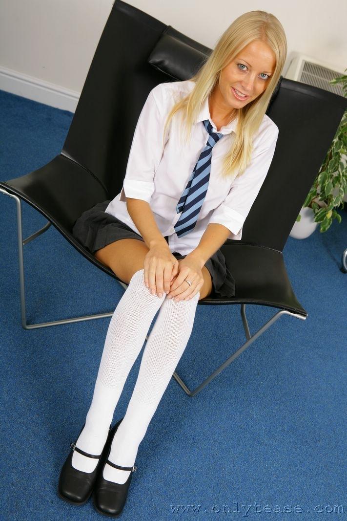 Bondage in white kneesocks — pic 3